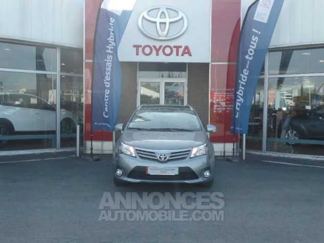 Toyota AVENSIS 124 D-4D SkyView Limited Edition  Occasion - 1