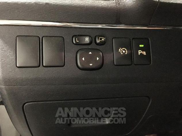 Toyota AVENSIS 150 D-4D Lounge 4p NOIR Occasion - 11