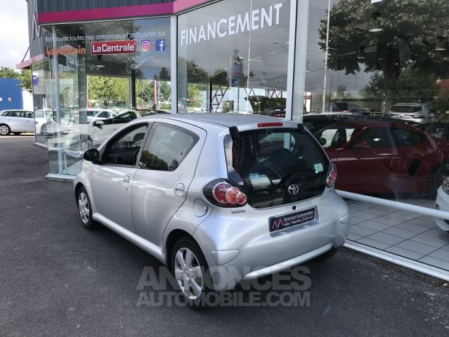 Toyota AYGO 1.0 VVT-I 68CH CONFORT 5P Gris Occasion - 6