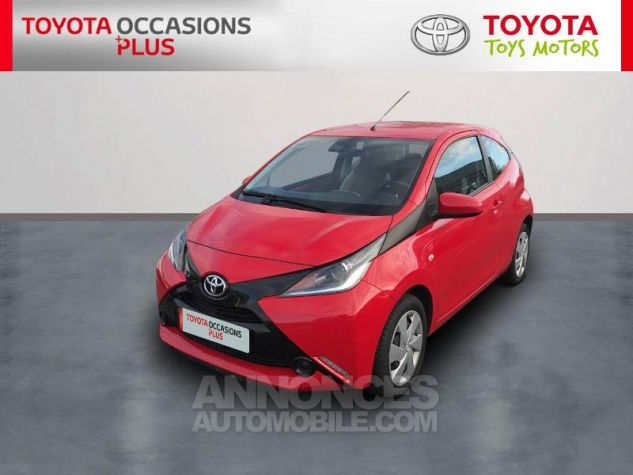 Toyota AYGO 1.0 VVT-i 69ch x-play 3p 3p0 Rouge Chilien Occasion - 0