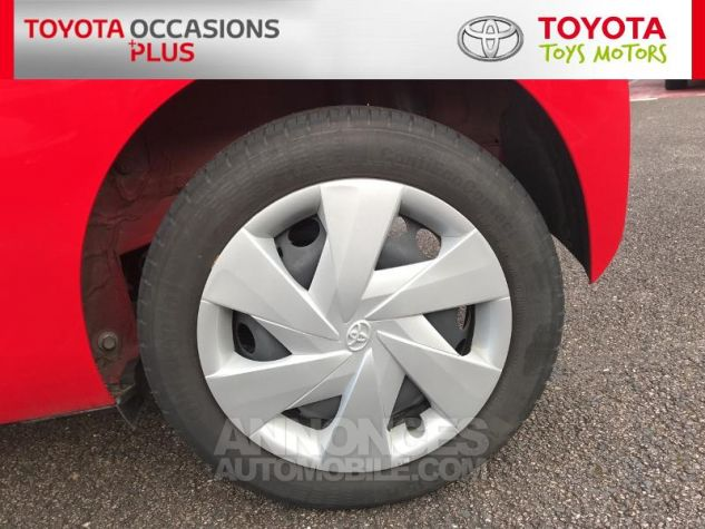 Toyota AYGO 1.0 VVT-i 69ch x-play 3p 3p0 Rouge Chilien Occasion - 3