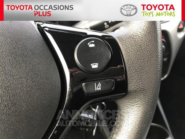 Toyota AYGO 1.0 VVT-i 69ch x-play 3p 3p0 Rouge Chilien Occasion - 9