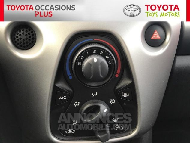 Toyota AYGO 1.0 VVT-i 69ch x-play 3p 3p0 Rouge Chilien Occasion - 10