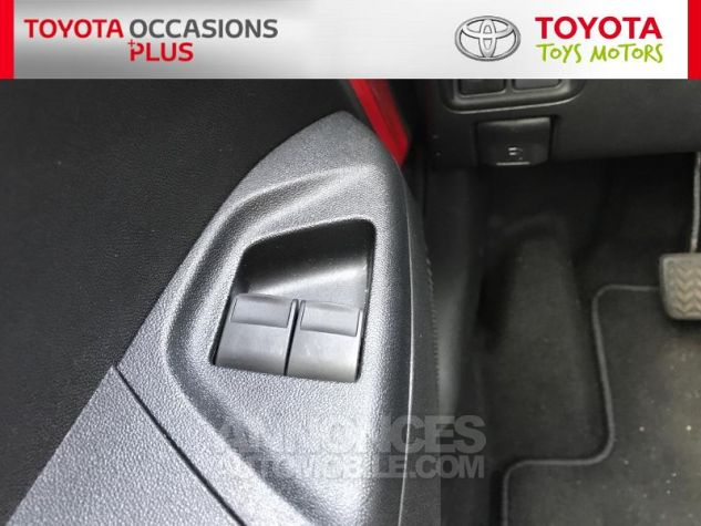 Toyota AYGO 1.0 VVT-i 69ch x-play 3p 3p0 Rouge Chilien Occasion - 11