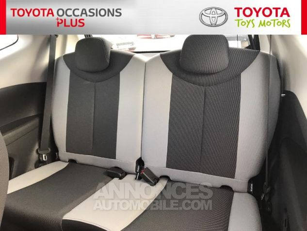 Toyota AYGO 1.0 VVT-i 69ch x-play 3p 3p0 Rouge Chilien Occasion - 13
