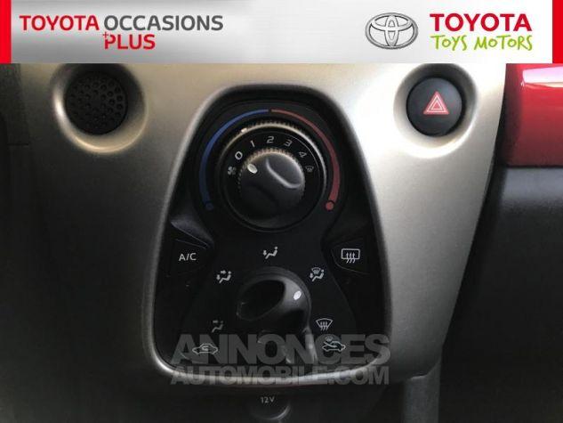 Toyota AYGO 1.0 VVT-i 69ch x-play 5p Blanc Occasion - 10