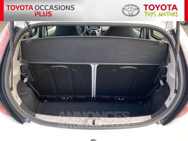 Toyota AYGO 1.0 VVT-i 69ch x-play 5p Blanc Occasion - 14