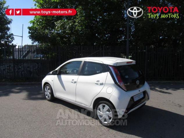 Toyota AYGO 1.0 VVT-i 69ch x-play 5p Blanc Pur Occasion - 2