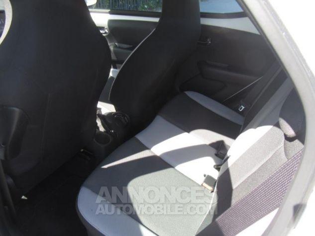Toyota AYGO 1.0 VVT-i 69ch x-play 5p Blanc Pur Occasion - 9