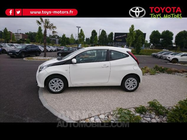Toyota AYGO 1.0 VVT-i 72ch x-play 3p Blanc Pur Occasion - 2
