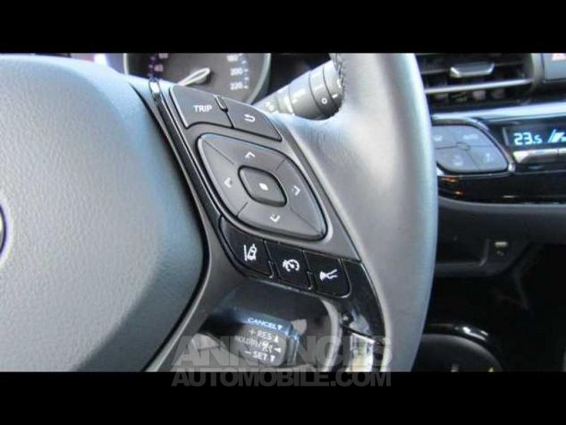 Toyota C-HR 122h Distinctive 2WD E-CVT Brun Métallisé Occasion - 9