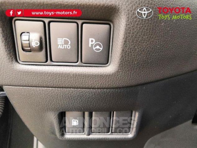 Toyota C-HR 122h Distinctive 2WD E-CVT NOIR Occasion - 11