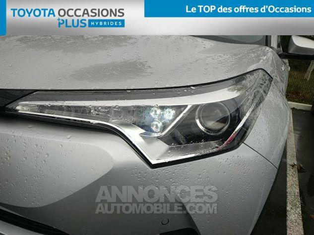 Toyota C-HR 122h Distinctive 2WD E-CVT Gris Clair Occasion - 18