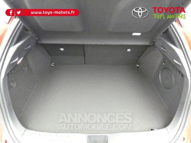 Toyota C-HR 184h Collection 2WD E-CVT MC19 Bi Ton Rouge Intense Noir Occasion - 9