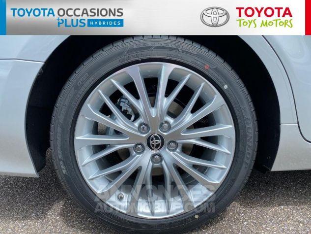 Toyota CAMRY Hybride 218ch Lounge Gris Aluminium Occasion - 3