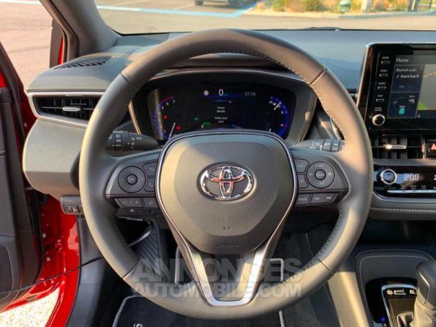 Toyota COROLLA 122h Design ROUGE INTENSE Occasion - 11