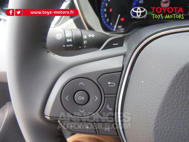 Toyota COROLLA 184h Design MY20 Gris Argent Occasion - 8