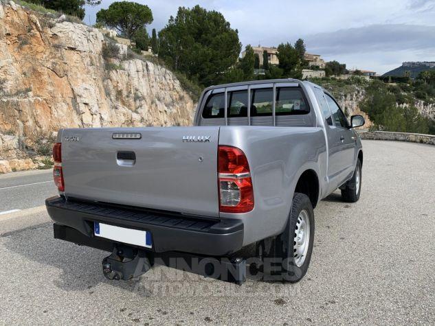 Toyota HILUX 144 D-4D X-TRA CABINE LE CAP 4WD GRIS ARGENT METAL Occasion - 5