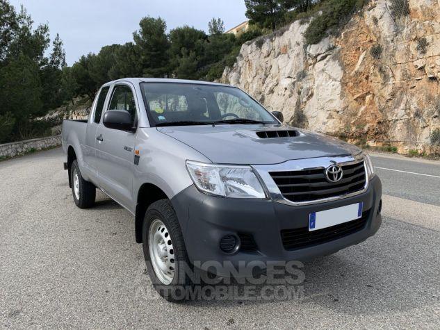 Toyota HILUX 144 D-4D X-TRA CABINE LE CAP 4WD GRIS ARGENT METAL Occasion - 6