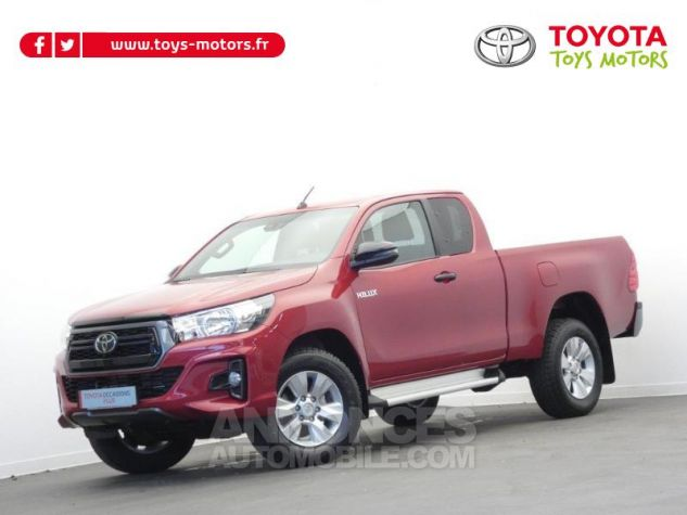 Toyota HILUX 2.4 D-4D 150ch X-Tra Cabine Légende 4WD RC19 Rouge Volcano Occasion - 0