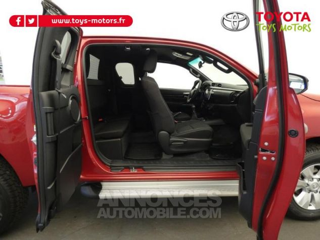Toyota HILUX 2.4 D-4D 150ch X-Tra Cabine Légende 4WD RC19 Rouge Volcano Occasion - 5
