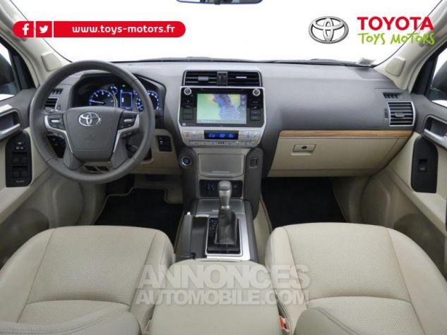 Toyota LAND CRUISER 177 D-4D Lounge BVA 5p GRIS ATLAS Occasion - 2