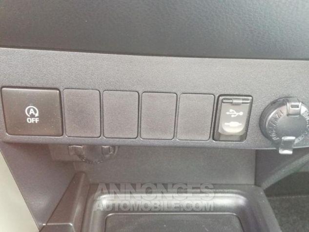 Toyota RAV4 124 D-4D LeCap 2WD Blanche Occasion - 11