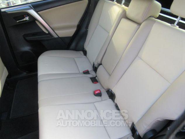 Toyota RAV4 124 D-4D Lounge 2WD MARRON Occasion - 7