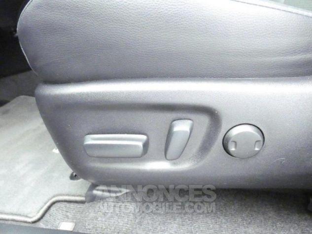 Toyota RAV4 143 D-4D Design 2WD ROUGE POURPRE Occasion - 8