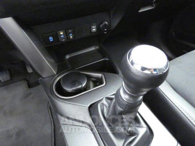 Toyota RAV4 143 D-4D Design 2WD ROUGE POURPRE Occasion - 17