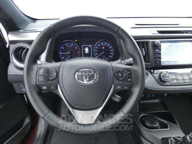 Toyota RAV4 143 D-4D Design 2WD ROUGE POURPRE Occasion - 18