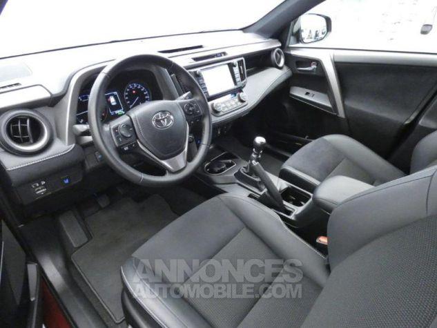 Toyota RAV4 143 D-4D Design 2WD ROUGE POURPRE Occasion - 19