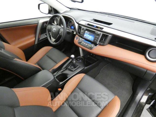 Toyota RAV4 150 D-4D Lounge AWD brun havane Occasion - 14