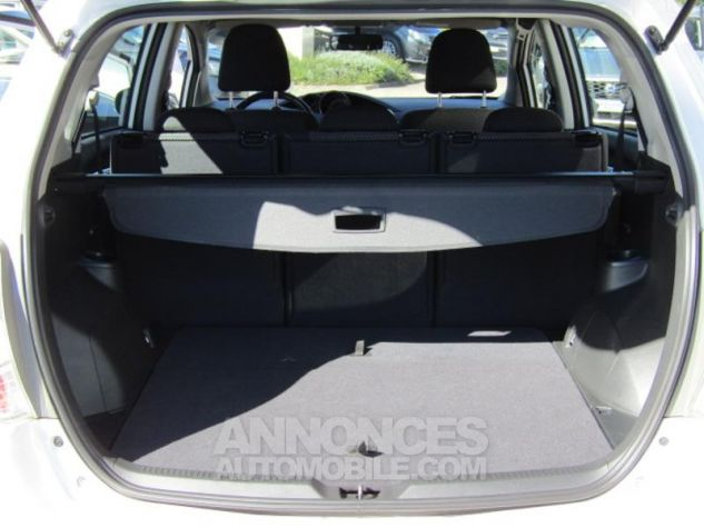 Toyota VERSO 112 D-4D Dynamic 5 places Blanc Occasion - 16