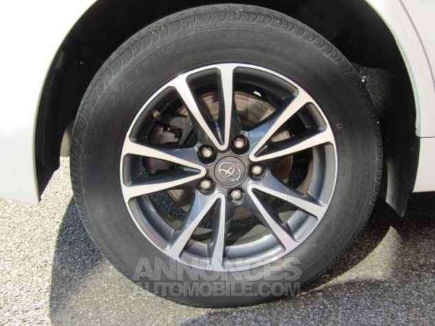 Toyota VERSO 112 D-4D Dynamic 5 places Blanc Occasion - 17