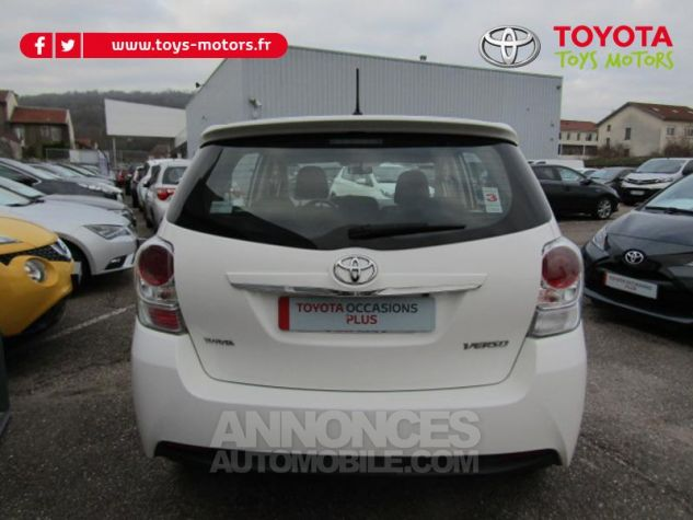 Toyota VERSO 112 D-4D Dynamic 5 places Blanc Occasion - 7