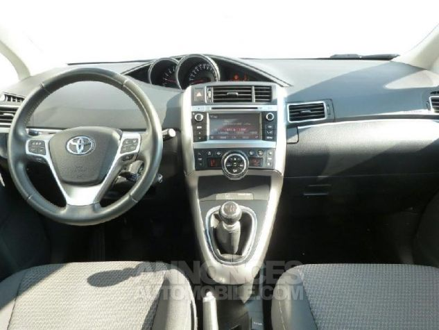 Toyota VERSO 112 D-4D FAP Feel 5 places BLANC PUR Occasion - 2