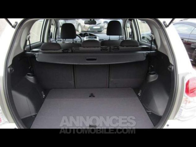 Toyota VERSO 112 D-4D FAP Feel 5 places Blanc Occasion - 13