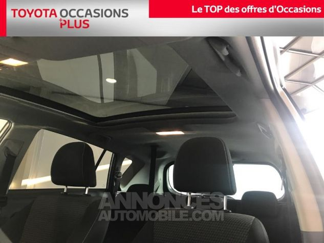Toyota VERSO 112 D-4D FAP Feel SkyView 5 places Gris Clair Occasion - 15
