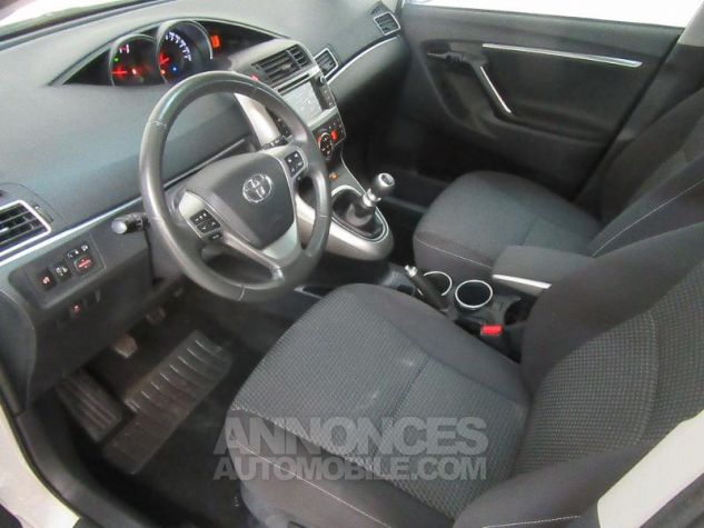 Toyota VERSO 112 D-4D FAP Feel SkyView 5 places BLANC Occasion - 5