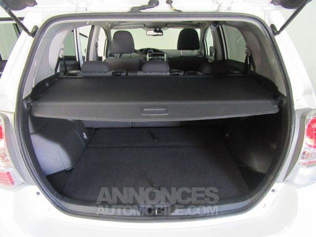 Toyota VERSO 112 D-4D FAP Feel SkyView 5 places BLANC Occasion - 15