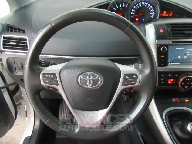 Toyota VERSO 112 D-4D FAP Feel SkyView 5 places BLANC Occasion - 17