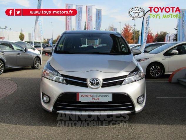 Toyota VERSO 112 D-4D FAP Feel SkyView 5 places Gris Clair Métallisé Occasion - 1