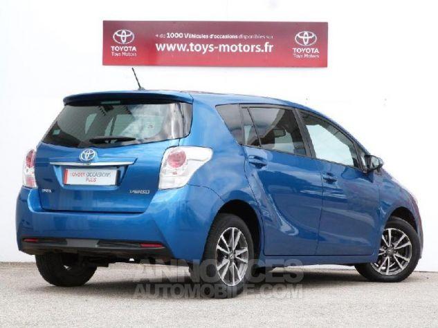 Toyota VERSO 112 D-4D SkyView 5 places Bleu Clair Métal Occasion - 1