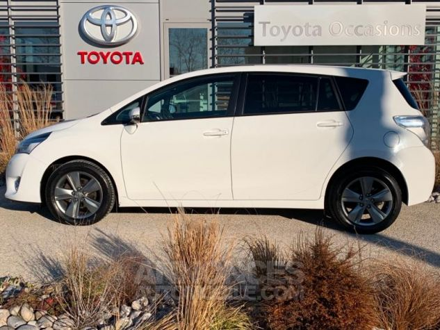 Toyota VERSO 112 D-4D SkyView 5 places BLANC Occasion - 1