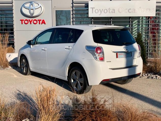 Toyota VERSO 112 D-4D SkyView 5 places BLANC Occasion - 2