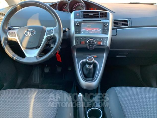 Toyota VERSO 112 D-4D SkyView 5 places BLANC Occasion - 6