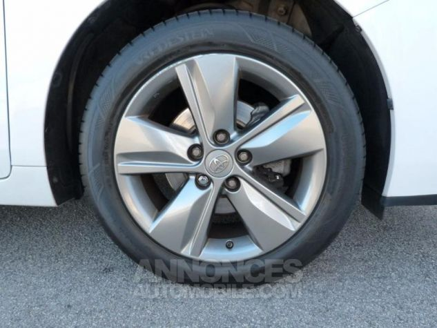 Toyota VERSO 112 D-4D SkyView 5 places BLANC NACRE Occasion - 8