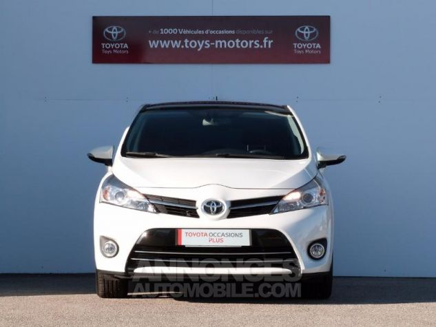 Toyota VERSO 112 D-4D SkyView 5 places BLANC NACRE Occasion - 11