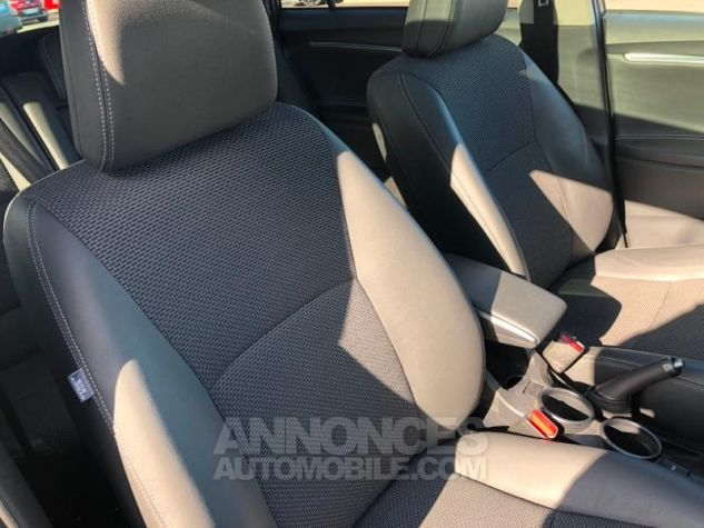 Toyota VERSO 132 VVT-i Design GRIS DUNE Occasion - 4